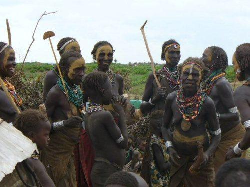 Femmes Dassanetch dans la vallée de l'Omo, tribu Galeb, sud de l'Ethiopie