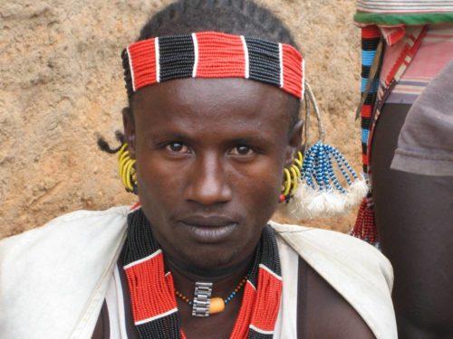 Jeune garçon de la tribu Hamer dans la vallée de l'Omo, Ethiopie