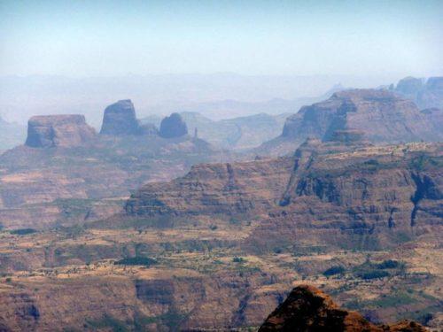 Panorama de montagne du nord de l'Ethiopie
