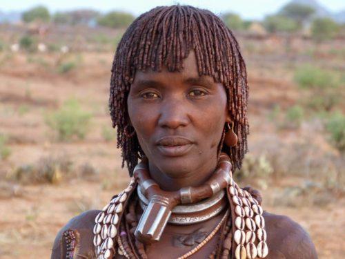 Femme de la tribu Hamer dans la vallée de l'Omo, Éthiopie